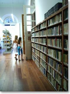 図書館へ行ってみよう